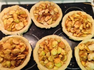 picture of apple pies